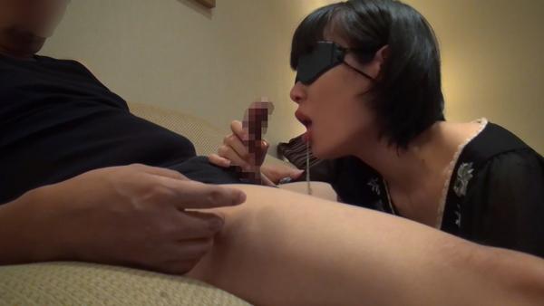 【個人撮影】美人で、しかも人妻のOL秘書の3穴を調教!~フェラチオ奉仕編~